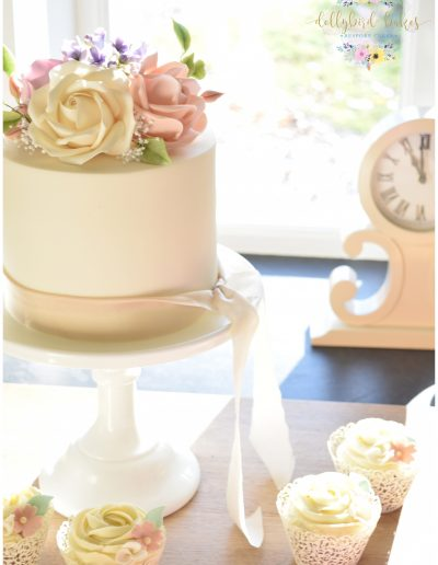Elopement Cake & Cupcakes - The Green Weddings In Cornwall