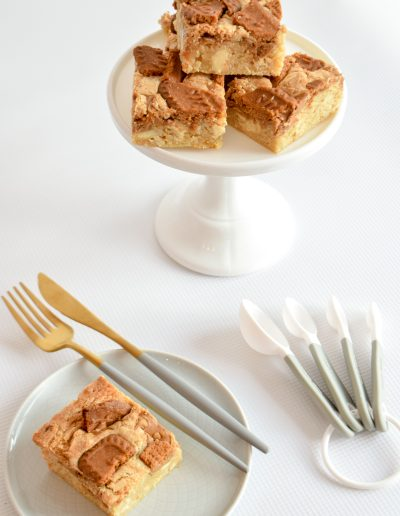Lotus Biscoff Blondies - Sweet Treats - Dollybird Bakes - Dessert Table